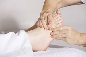 acupression-shiatsu-acupuncture-soulager-douleurs-tensions-inflammation-pieds